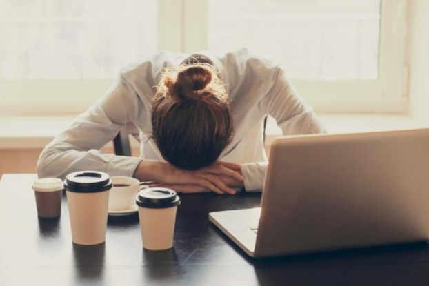 Feeling Sleepy All The Time – 8 Reasons And Solutions